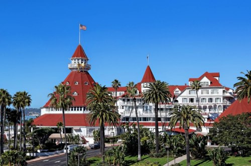 item22.rendition.slideshowWideHorizontal.ss23-hotel-del-coronado
