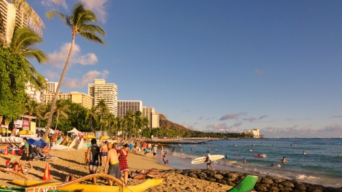 Waikiki_Beach,_Honolulu