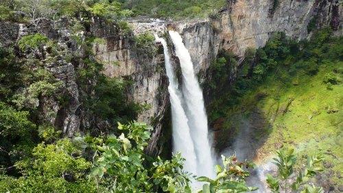 Chapada-Dos-Veadeiros-Waterfall
