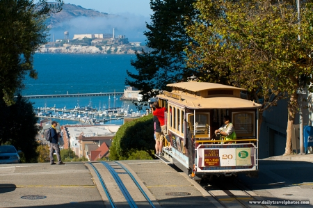 111010_hyde_street_cable_car_san_francisco_alcatraz_view_IMG_2911