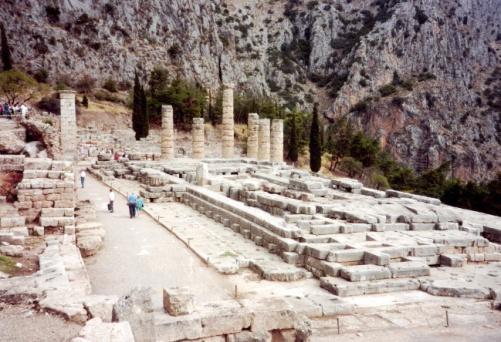 Delphi_temple-650px