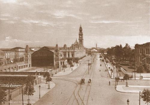Guilherme_Gaensly_-_Estação_da_Luz,_c._1900.jpg