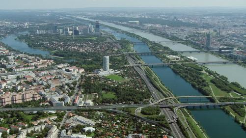 587185208-danube-vienne-pont-architecture-vue-de-la-ville.jpg