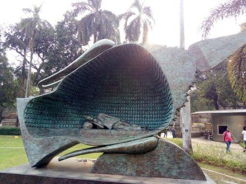 bust-of-buddha-rear-view.jpg